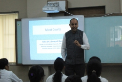 GUEST LECTURE ON MOOT COURT PREPARATION BY DR.SWAPNIL BANGALI (15.11.2019)