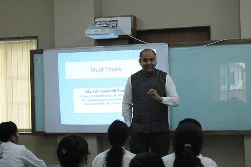 Moot Court Training Session by Dr. Bangali - 22 Nove 2019